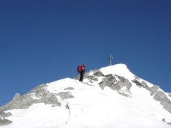 Joe bei der Abfahrt unter dem Gipfel