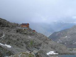 Blick vom Eisjoch auf die Stettiner Hütte