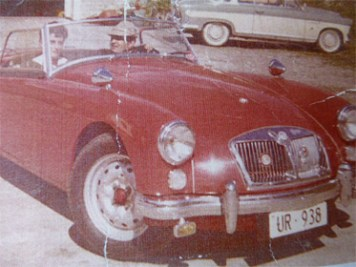 Der rote MG A