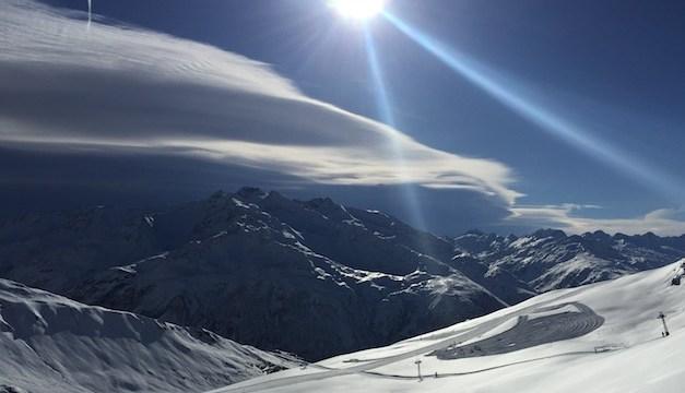 Die SkiArena Andermatt-Sedrun verlängert Saison am Nätschen und Valtgeva