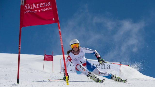 Aline Danioth in Sölden am Start