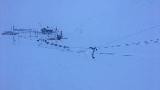 MGB Strecke vor dem Oberalp Pass unterbrochen