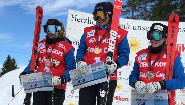 Leoni Zopp ist U18 Abfahrts Schweizermeisterin!