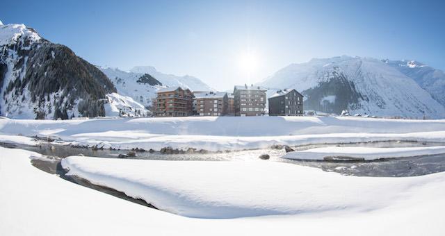 Andermatt Swiss Alps AG bewältigt enormes Bauvolumen Seit Projektstart rund CHF 900 Mio. investiert
