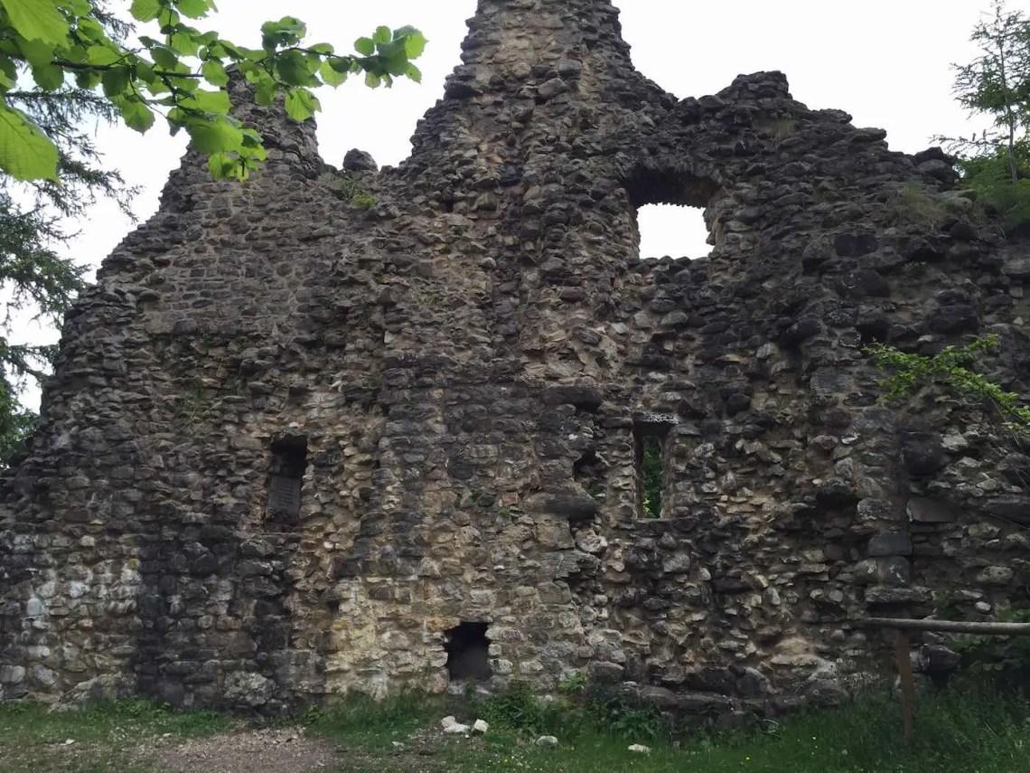 An der Ruine von Burgberg