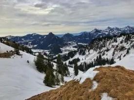 Panorama nach Unterjoch mit Zinken und Sorgschrofen