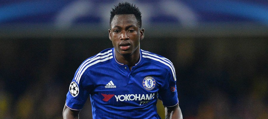 Chelsea's Ghanaian defender Baba Rahman runs with the ball during the UEFA Champions League, group G, football match between Chelsea and Maccabi Tel Aviv at Stamford Bridge in London on September 16, 2015.  Chelsea won the match 4-0.      AFP PHOTO / GLYN KIRK