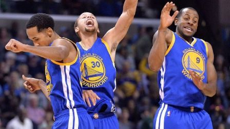 Golden State Warriors Tunjukkan Superioritas