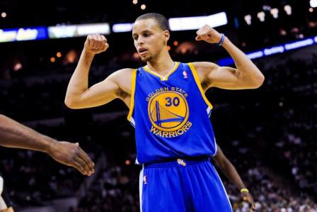 Curry Pertahankan Kemenangan Warriors