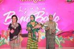 Jadi Model di Fashion Show, Ketua Dekranasda Bantaeng Raih Penghargaan Sulsel Maraja