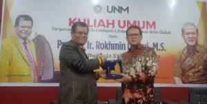 Prof Rohkmin Bawa Kuliah Umum di UNM, Bahas Tentang Kampus Hadapi Era Industri