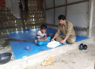 Momen Pak Guru Avan mendatangi dan mengajar siswanya di tengan pandemic COVID 19. (Facebook/avanfathur)