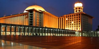 Berita Baru, Masjid Istiqlal
