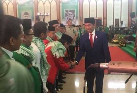 Presiden Jokowi saat tiba di Rapimnas III dan Santiaji Nasional Calon Anggota Legislatif PPP.