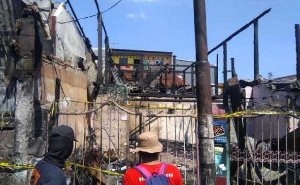 Rumah yang di bakar kartel narkoba di Makassar.