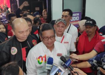 Hasto Kristiyanto saat berikan penjelasan kepada media.