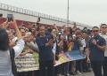 Penyambutan Jokowi di jembatan Ampera Palembang.
