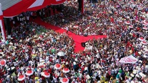 Jokowi saat kampanye di Cirebon.
