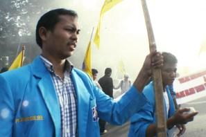 20130621 AljonAliSagara_Mahasiswa SULSEL Tuntut Pecat Dirut Pertamina 03