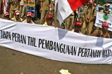 20130627 Demo Tenaga Harian Lepas Jadi PNS Menpan Mentan 02
