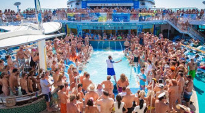 096506000_1501926509-170801-couple-cruise-orgies-23