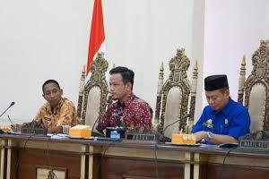 Photo of Ketua DPRD Wajo Siap Mengawal Tuntutan GTKHNK 35+ Sampai ke Pusat