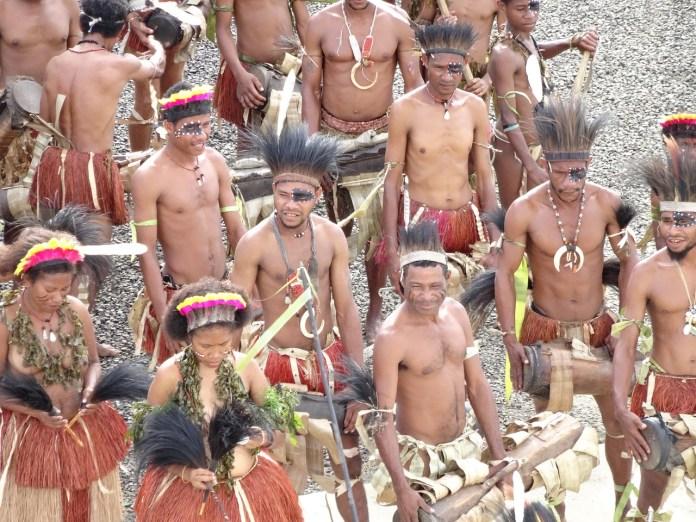 Beragam Keunikan Baju Adat Dari Papua Berita Papua