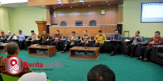 Pj Walikota Bekasi Terima Kunjungan Kerja Tim Komisi II DPR RI