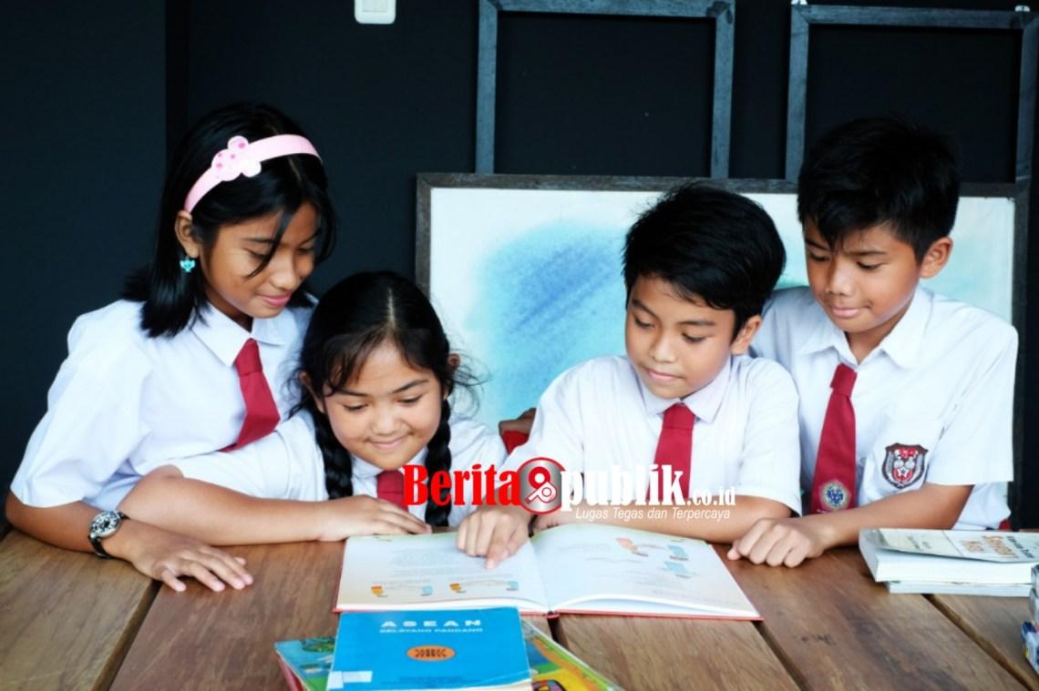 Suasana Kegiatan Belajar Mengajar Siswa dan Siswi Lembaga Nasional Satu atau Nassa School Bekasi