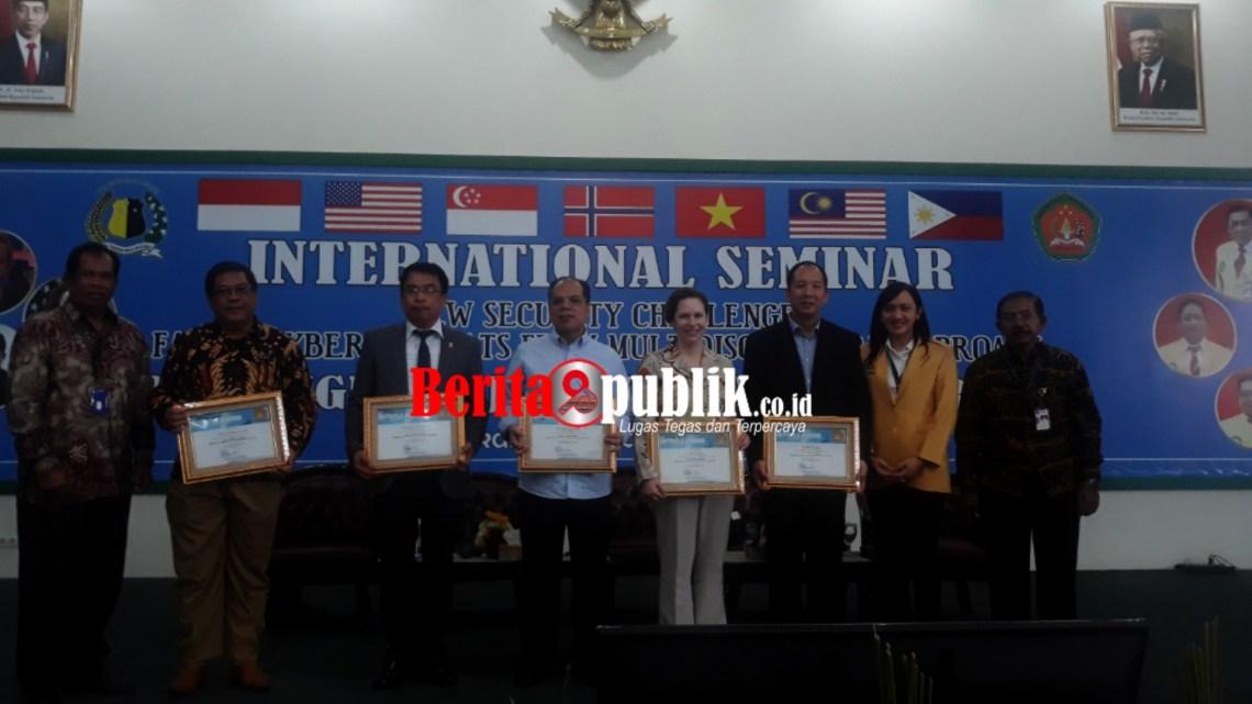 Seminar Internasional Soal Keamanan Siber.