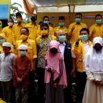 Walikota Bekasi Rahmat Effendi (Tengah) Mengunakan Kemeja Putih Jaket Hitam, Selasa, (29/9).