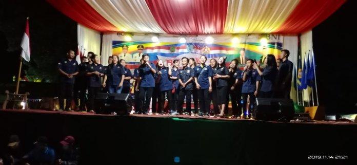 Kontingen Karang Taruna Barito Timur saat menyanyikan lagu daerah memeriahkan kegiatan BBKT Lamandau.