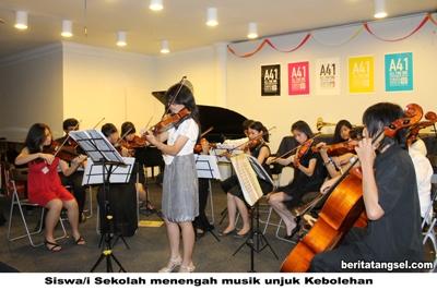 23903246Aksi Siswa Sekolah Mengah Musik