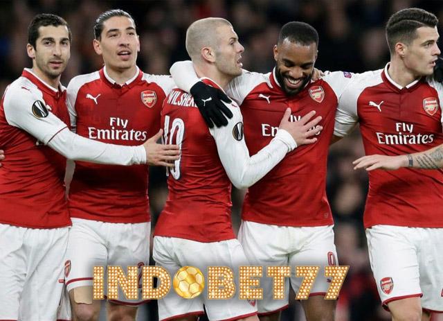 Menjadi Pusat Permainan Arsenal