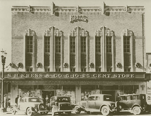 The Kress Building in 1933.