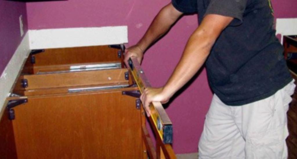 крепление кухонной столешницы