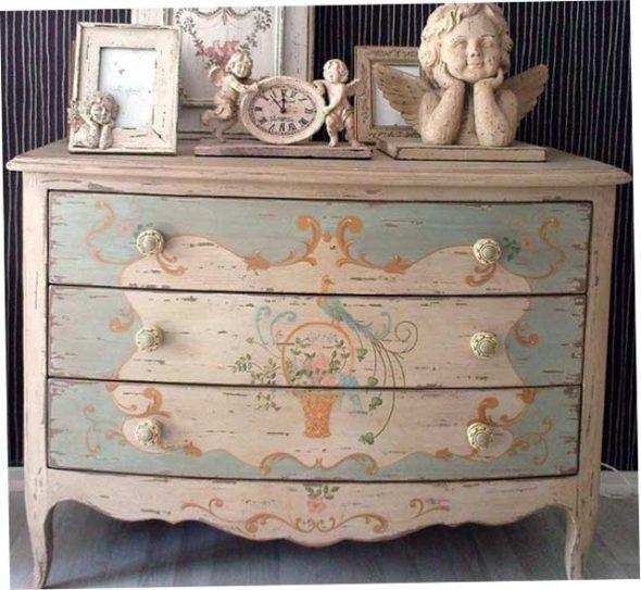 Dekoráció és bútorok elemei Provence stílusában