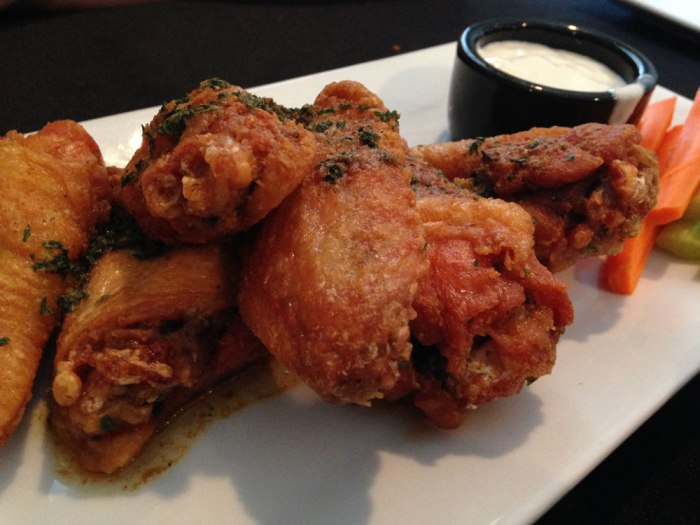 cafe-at-maple-springs-chesapeake-wings