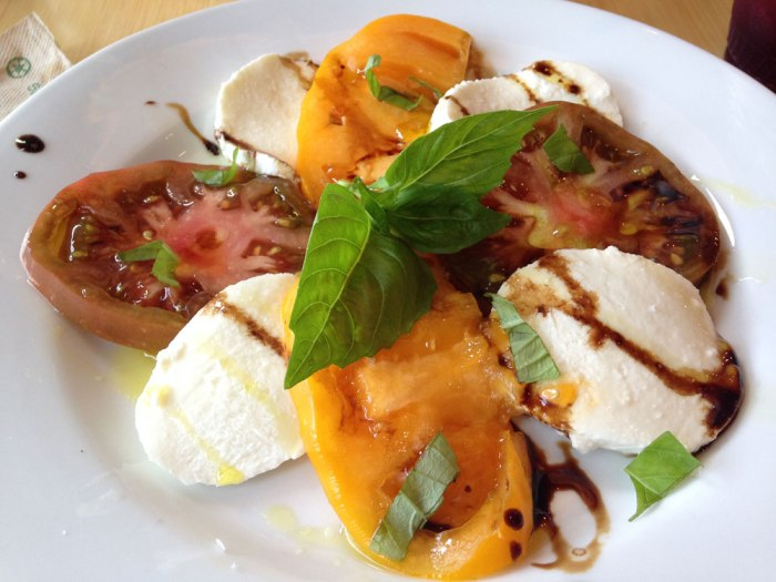 cafe-sweet-street-caprese-salad