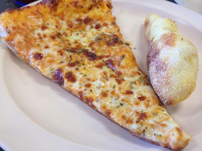 infinito-s-rosa-pizza-breadstick