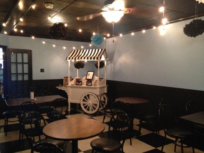 sweet-ride-ice-cream-interior-2