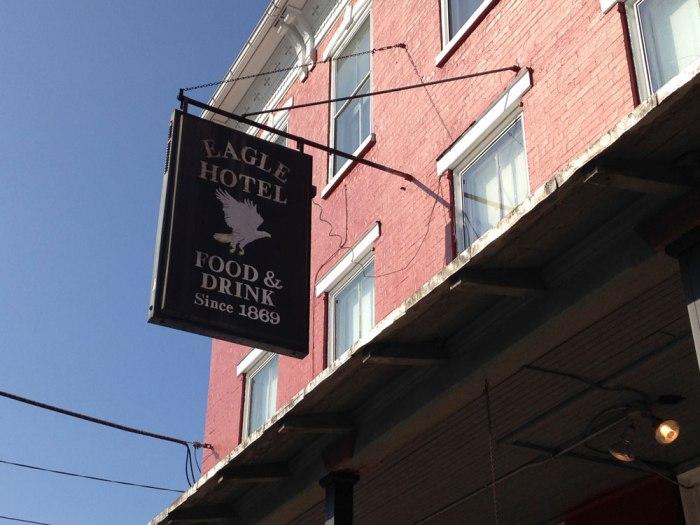 Bernville-Eagle-Hotel-Exterior