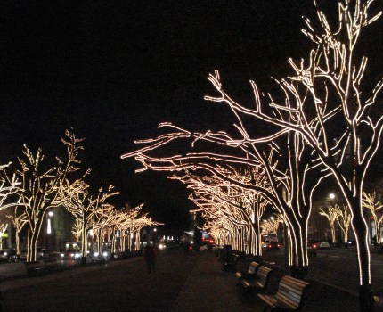 Julen er kommet med lys og musik