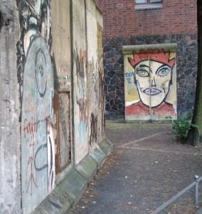 Berlinmur foran Märkisches Museum. Foto: Kirsten Andersen