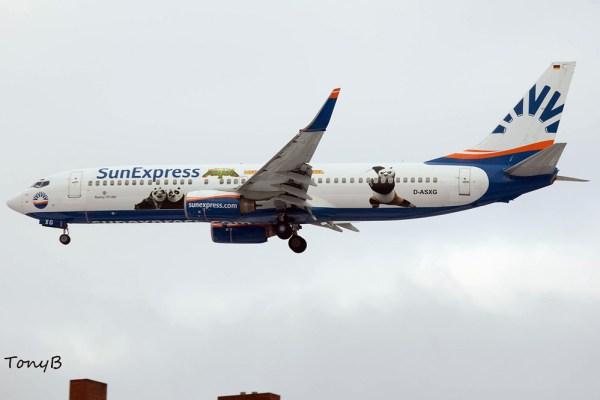 SunExpress Deutschland, 737-800 D-ASXG (© TonyB)