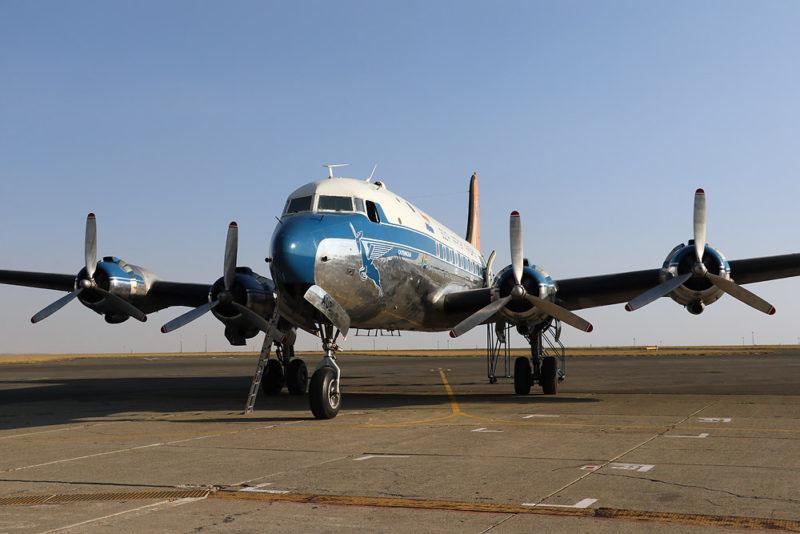 Douglas DC-4 (© S. Chui)
