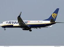 Ryanair, Boeing 737-800(WL) EI-DWZ (SXF 31.3. 2017)