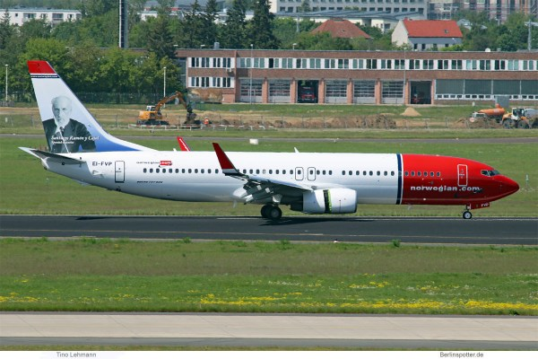 Norwegian Air International, Boeing 737-800(WL) EI-FVH, Santiago Ramón y Cajal im Tail (SXF 17.5. 2017)