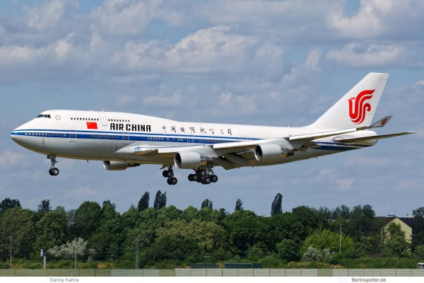 Air China, Boeing 747-400 B-2447 (TXL 31.5. 2017)