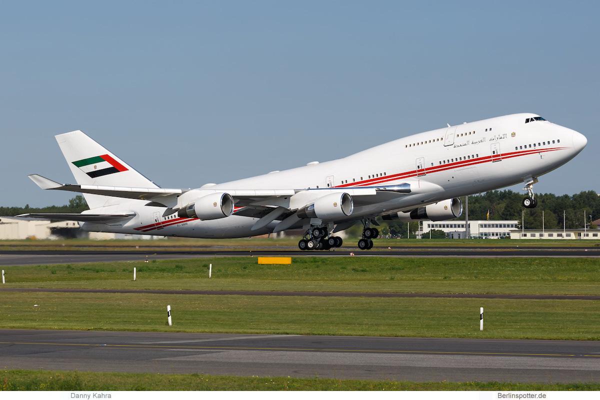 Dubai Air Wing Boeing 747-400 A6-MMM